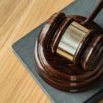 martello giudice per articolo su Diritto del lavoro