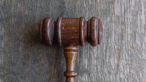 martello giudice tribunale dei minori